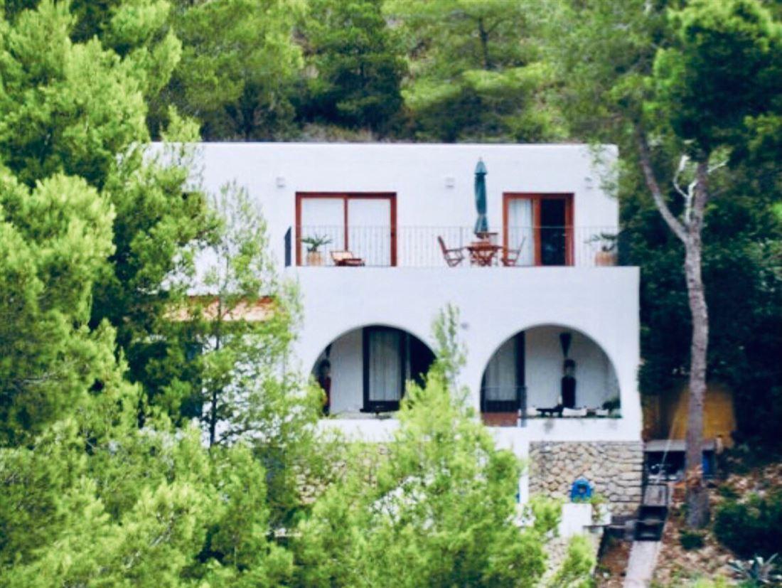 Klein huis met spectaculair uitzicht op Cala San Vicente