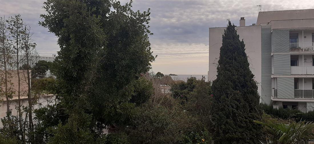 Huis met grond van 470m2 in Playa den Bossa