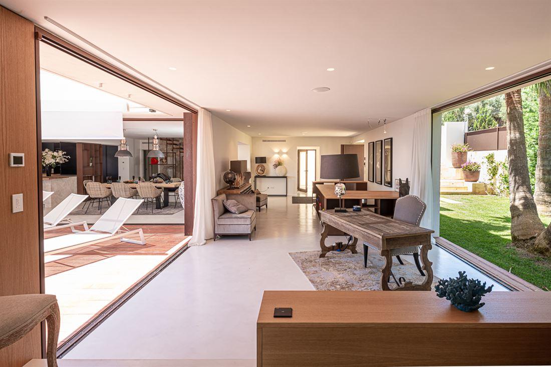 Nieuwe exclusieve aanbieding gelegen in Cap Martinet met huurlicentie