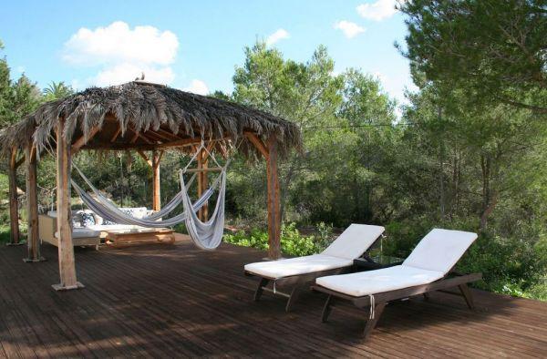 Moderne drie slaapkamer villa te koop in Santa Gertrudis